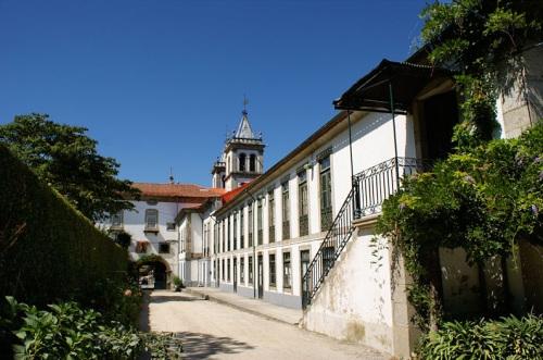 Monasterio Santo Tirso