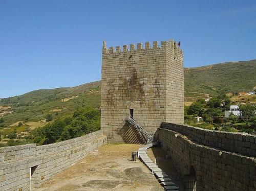 Castillo de Linhares