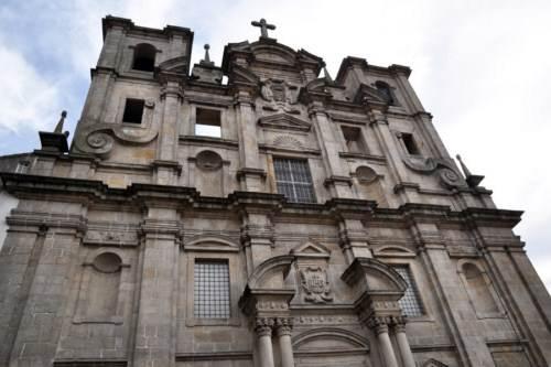 iglesia san lorenzo dos grillos