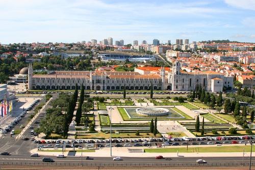 Monasterio de los Jerónimos y Plaza del Imperio en Belem