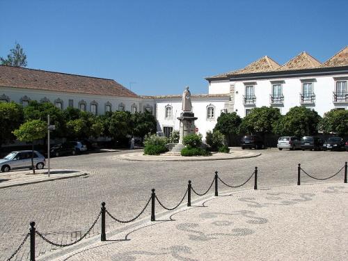 Una vuelta por el centro histórico de Faro