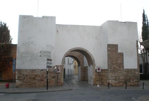 Entrada a las Murallas de Faro