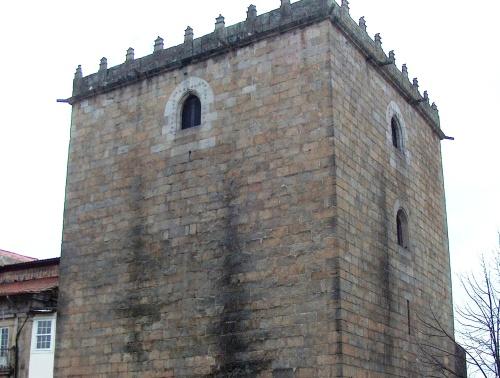 Muralla de Barcelos y su Torre Nueva