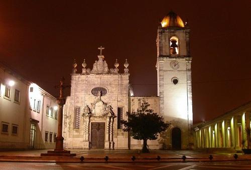 Catedral de Aveiro, sobria mezcla de estilos