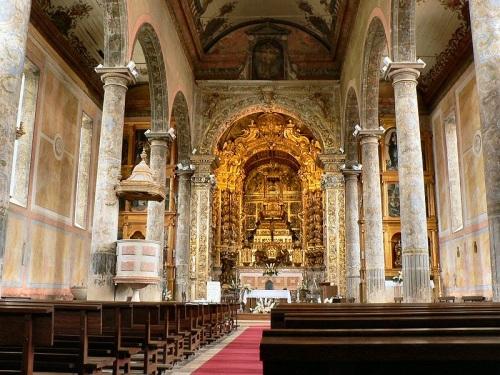 Interior de la Iglesia de Santa Maria de Loures