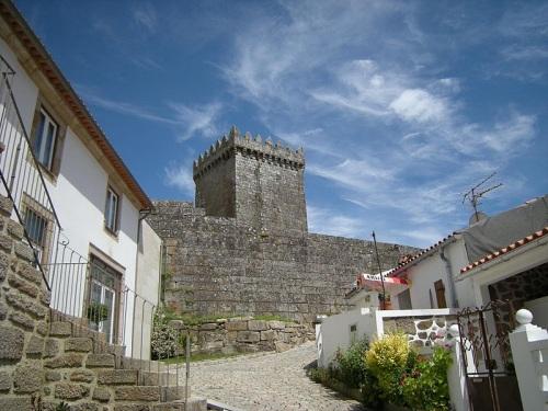 Castillo de Melgaço en el Norte de Portugal