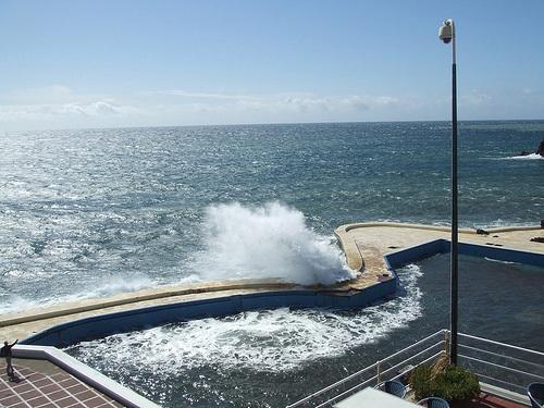 Complejo de piscinas de lido en funchal for Piscinas en santa cruz