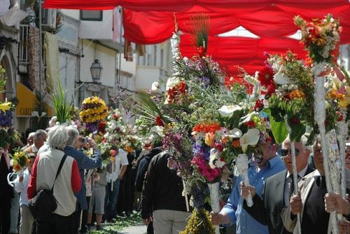 Feria de las antorchas floridas