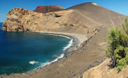 Paisajes volcánicos en Ponta dos Capelinhos