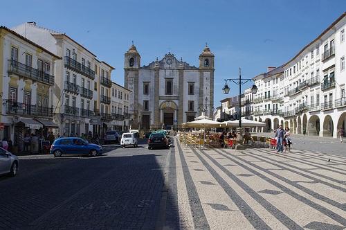 Plaza de Giraldo en Evora