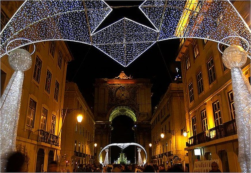 Navidad iluminada, pero sin nieve, en Lisboa