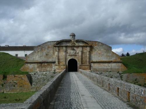 Almeida y sus impresionantes murallas